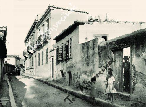 Άποψη της γειτονιάς της Βλασσαρούς οδός Αστεροσκοπείου πριν από την κατεδάφισή της