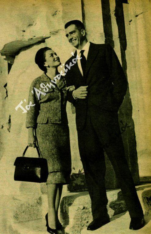 Η Λίντα Κρίστιαν και ο Φραντσίσκο Πινιατάρι κατά την επίσκεψή τους στην Ακρόπολη