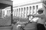 Ο Έλληνας που πουλούσε φιστίκια έξω από τον Λευκό Οίκο